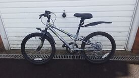 Boy's bike 15 inch wheels