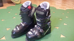 Atomic B9 Ski Boots with Thermofit Liner - Size 6