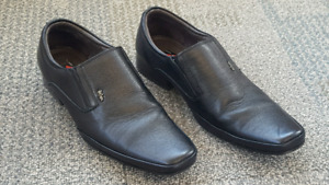 Lee Cooper Leather dress shoes