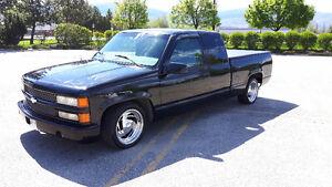 1996 Chevrolet Silverado - LOW KMS!!