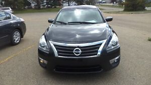 13 Altima S - auto - 4dr - LOADED - MAGS - A/C - ONLY 20,000KMS Edmonton Edmonton Area image 3