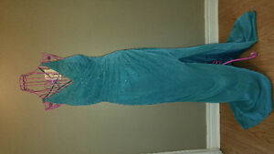 Dresses size 4 and 8 London Ontario image 7
