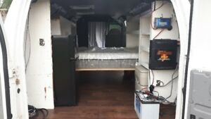 Ready for Van Life? Ford 2008 E350 is the van for you!