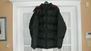 NEW MEN'S PUFFER JACKET WITH HOOD - SIZE XL