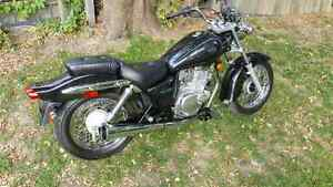 2002 Yamaha GZ250 motorcycle