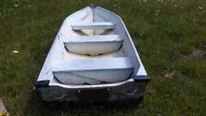 12' long & 4' wide Alum Boat $250 firm Kawartha Lakes Peterborough Area image 1