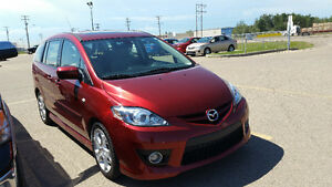 2009 Mazda Mazda5 Hatchback.. Like New.