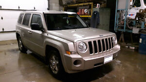 2010 Jeep Patriot - very low km - Private Sale