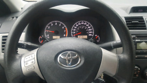 Selling Toyota Corolla 2012. Very good condition