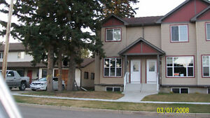 Beautiful Fourplex Unit for rent in Lacombe.