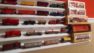 HO Model Trains, important lot of cars and locos