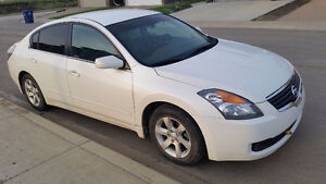2008 Nissan Altima 2.5S Sedan with Winter Tires and Rims