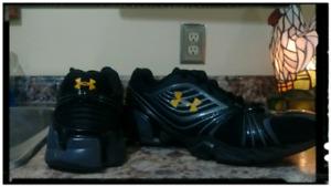 Under Armour Shoes.. (Size 10) ...