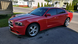 "2011 Dodge Charger SXT(clean,20""wheels,Sunroof)"