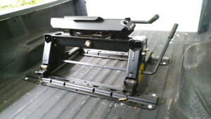 Reese 5th Wheel Hitch with roller option
