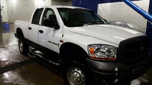 2006 Dodge Power Ram 2500 Pickup Truck