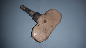 One used TPMS for Escalade Avalanche Tahoe Yukon etc