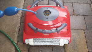 DOLPHIN ENDEAVOR MAYTRONICS ROBOTIC POOL CLEANER