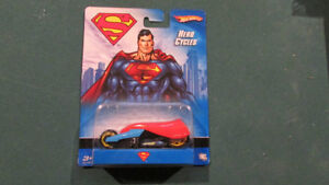 Hot Wheels SUPERMAN Her Cycles MINT