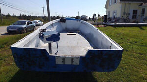 MOSSING BOAT/TRAILER