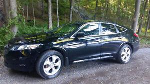 2010 Crosstour EXL AWD Noir avec pneus