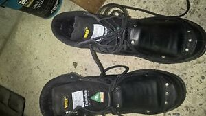 size 12 Mens work boots with metatarsal guards never worn