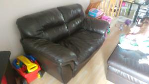 150 nego divan en cuire