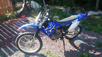 2008 YAMAHA TTR-230 DIRT BIKE WITH HEADLIGHT GREAT CONITION