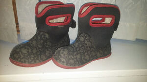 boys size 8,9 and 10 footwear