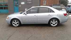 2007 Hyundai Sonata Leather and sunroof only 116000km