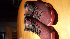 Jordan horizion lows red and black
