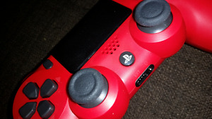 PLAYSTATION 4 CONTROLLER (RED) NEVER USED