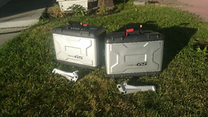 BMW R1200GS Left and Right side Vario panniers, key & brackets