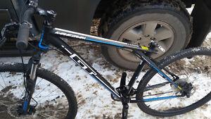 Karakoram 27 speed Gt mountain bike aluminium alexrims 29er