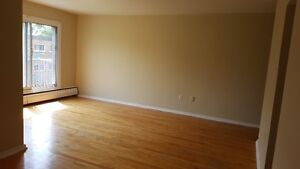 DORVAL- 2.5 (Renovated & Last available unit) !