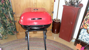 NEW-Red AUSSIE Walk-A-Bout Portable Charcoal Grill - NEVER USED
