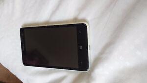 Nokia Lumia 635 débloqué pour tout les réseau avec son antichoc