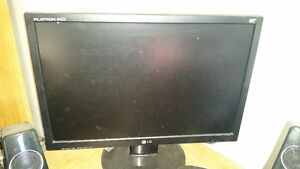 20 inch LG flatron wide monitor mint condition! 10 day warranty.