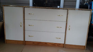 long dresser with end table