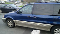 2004 Kia Sedona Blue Minivan, Van