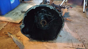 Jeep YJ transmission, transfer case and bell housing West Island Greater Montréal image 3