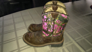 Pink cammo leather womens cowboy boots
