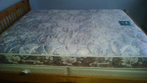 Queen Size Mattress and Box Springs Kitchener / Waterloo Kitchener Area image 1