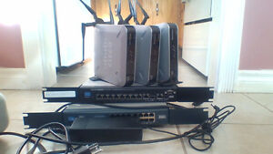 3 WIFI APS CISCO WAP4410N & POWER MANAGED SWITCH SRW208P &RV016