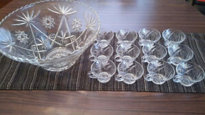 Vintage American Crystal Punch Bowl Set: - Punch bowl & 12 cups