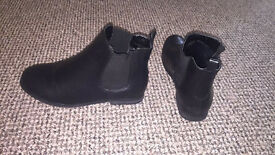 Women's Black Chelsea boots worn Once size 6