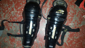 Shin guards 11 inch size med