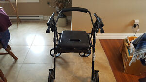 Rollator/Wheelchair