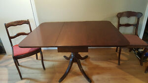 Duncan-Phyfe table, 4 chairs