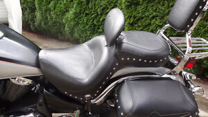 Mustang Wide Touring Seat w/drivers backrest